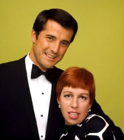 Lyle Waggoner and Carol Burnett