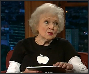 Betty White with iPad