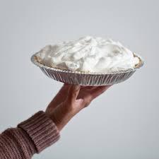 pie in hand