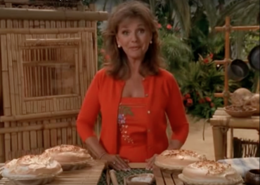 Dawn Wells with pies